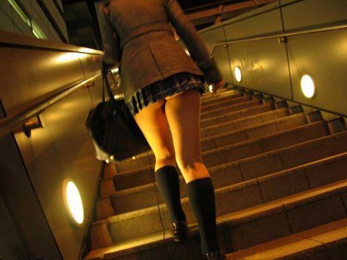 【盗撮画像】斜め下から盗撮しちゃう女子高生のパンチラエロ過ぎ 38枚 No.1