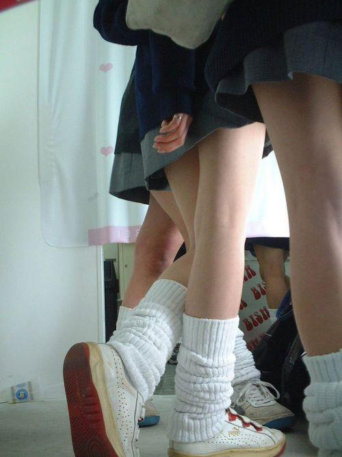 【盗撮画像】斜め下から盗撮しちゃう女子高生のパンチラエロ過ぎ 38枚 No.27