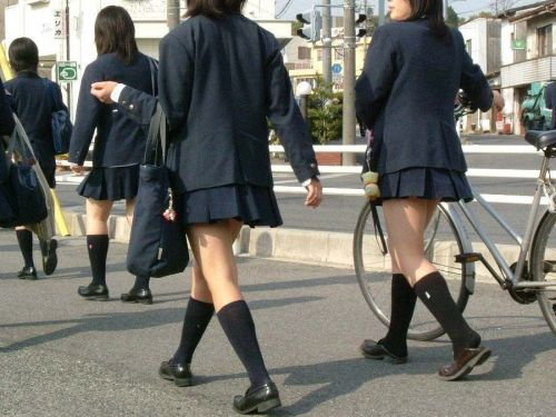 ムチムチ女子高生の街撮り盗撮画像まとめ 39枚 No.16
