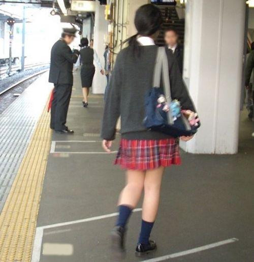 ムチムチ女子高生の街撮り盗撮画像まとめ 39枚 No.24
