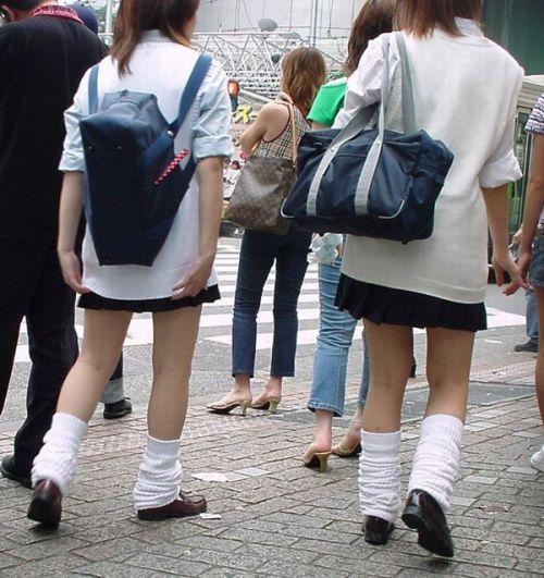 ムチムチ女子高生の街撮り盗撮画像まとめ 39枚 No.25