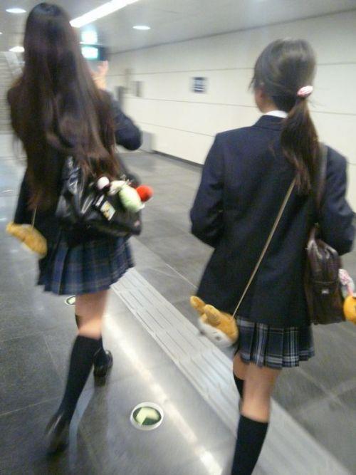 ムチムチ女子高生の街撮り盗撮画像まとめ 39枚 No.33