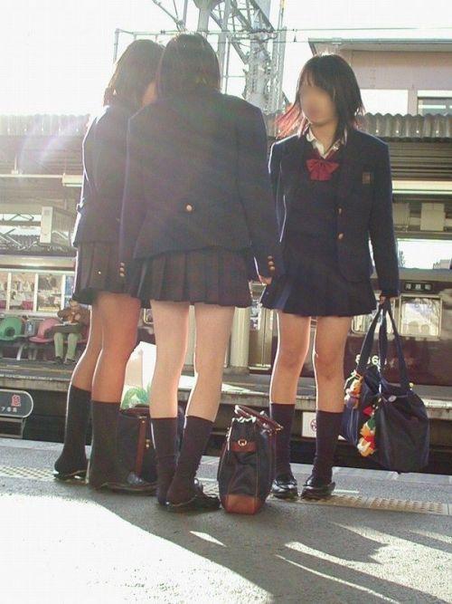 ムチムチ女子高生の街撮り盗撮画像まとめ 39枚 No.38