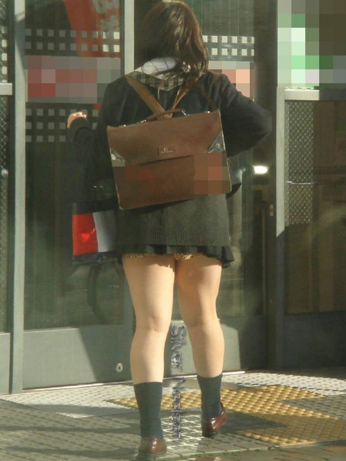 【盗撮画像】テンション上がる女子高生のエロイ生足画像まとめ 39枚 No.16