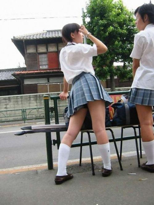【盗撮画像】テンション上がる女子高生のエロイ生足画像まとめ 39枚 No.20