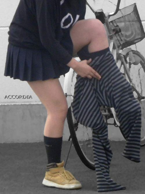 【盗撮画像】テンション上がる女子高生のエロイ生足画像まとめ 39枚 No.24