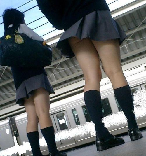 【盗撮画像】テンション上がる女子高生のエロイ生足画像まとめ 39枚 No.29