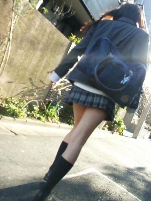 【盗撮画像】テンション上がる女子高生のエロイ生足画像まとめ 39枚 No.33