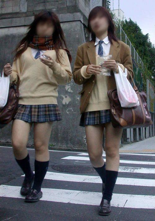 【盗撮画像】テンション上がる女子高生のエロイ生足画像まとめ 39枚 No.34