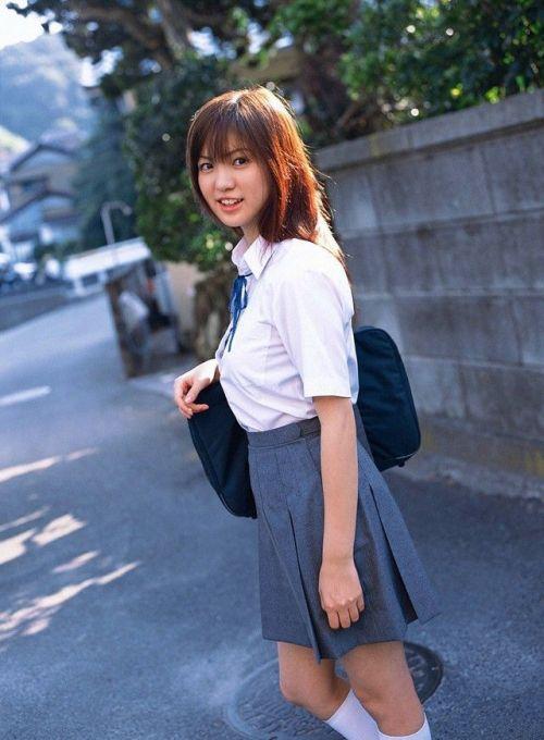 【画像】 モデル並にかわいい女子高生がミニスカでムチムチでパンチラ No.1