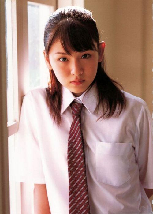 【画像】 モデル並にかわいい女子高生がミニスカでムチムチでパンチラ 36枚 No.9