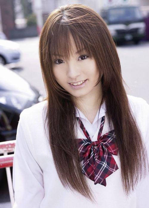 【画像】 モデル並にかわいい女子高生がミニスカでムチムチでパンチラ 36枚 No.12