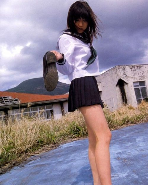 【画像】 モデル並にかわいい女子高生がミニスカでムチムチでパンチラ 36枚 No.36