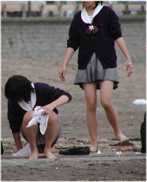 【エロ画像】女子高生がくぱぁとM字開脚を見せつけてるくんだが(笑) 38枚 No.3