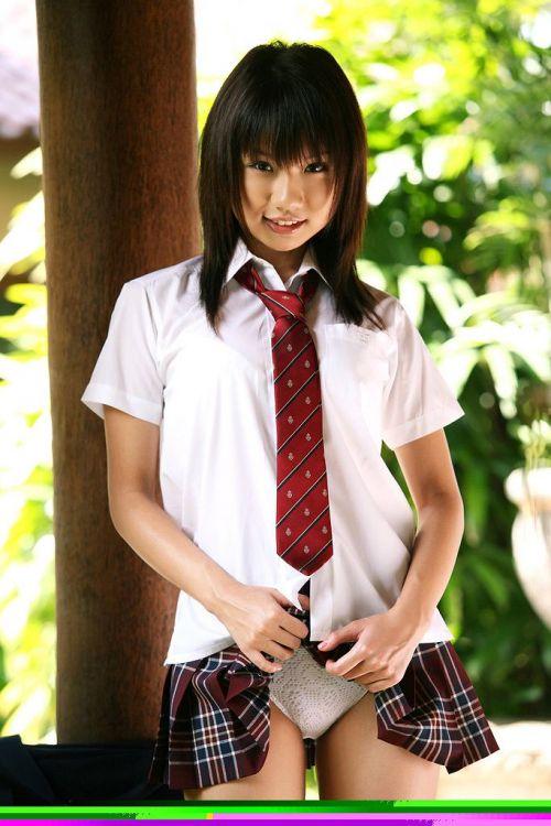 【画像】 パンティを自分で見せつけてくる女子高生がエロ過ぎ! 40枚 No.35