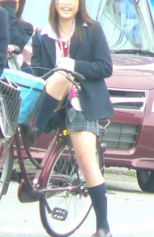 女子高生のパンチラ・ミニスカ・生足を盗撮したエロ画像まとめ 40枚 No.36