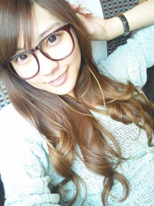 【エロ画像】メガネを掛けただけで20%は可愛くなるという事実! 36枚 No.34