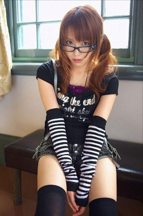 【エロ画像】メガネを掛けただけで20%は可愛くなるという事実! 36枚 No.35