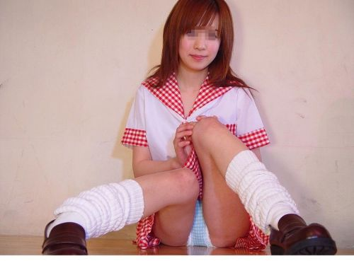【エロ画像】 女子高生がくぱぁとM字開脚見せつけてくるんだがwww 40枚 No.3