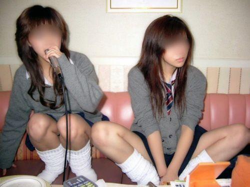 【エロ画像】 女子高生がくぱぁとM字開脚見せつけてくるんだがwww 40枚 No.26