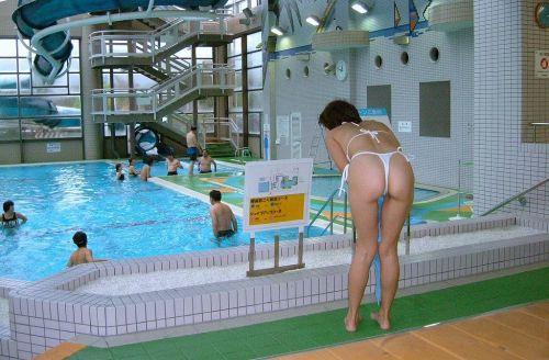 ビーチでお尻を丸出しにしちゃう女の子のTバックのエロ画像 35枚 No.24