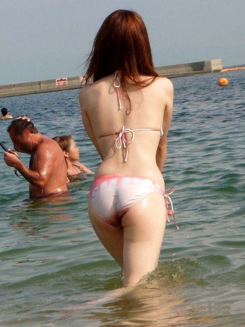 ビーチにいる水着姿の女の子の盗撮エロ画像まとめ 35枚 No.33