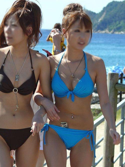 ビーチにいる女の子の水着おっぱい画像だけ集めたった 35枚 No.14