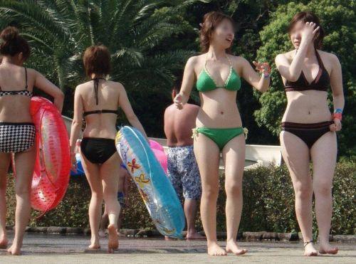 ビーチにいる女の子の水着おっぱい画像だけ集めたった 35枚 No.31