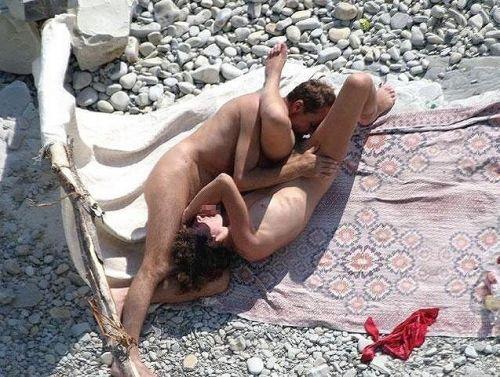 【海外】外人がビーチで野外セックスしちゃってるエロ画像見ちゃう? 36枚 No.33