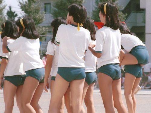 【懐かし画像】 もう見れないブルマで主張してくる女子高生まとめ! 38枚 No.20