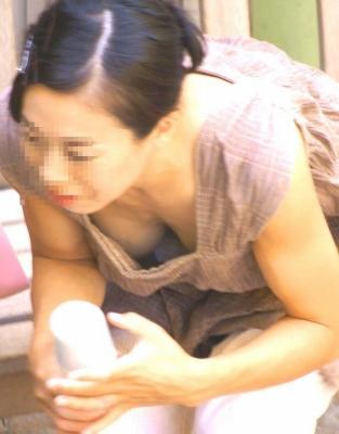 【盗撮エロ画像】夢中で巨乳だけの胸チラ集めたった 44枚 No.16