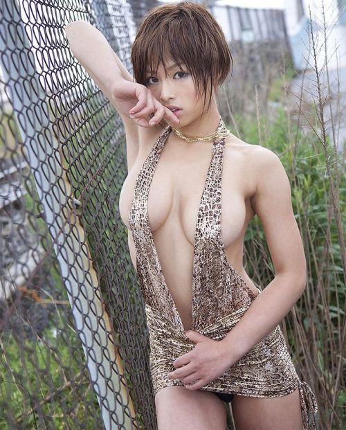 【盗撮エロ画像】夢中で巨乳だけの胸チラ集めたった 44枚 No.34
