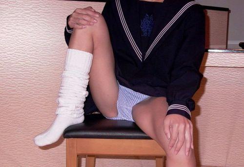 【エロ画像】女子高生が股間を見せつけるようにM字開脚してくるわ 37枚 No.30
