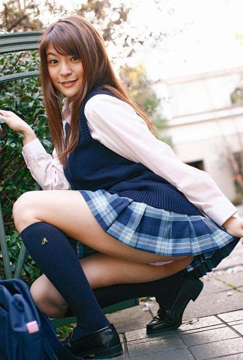 【エロ画像】 女子高生がお尻を丸見えになるほど付き出してきたんだがwww 38枚 No.37
