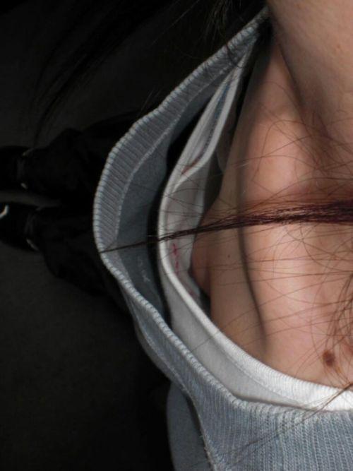 素人女性の横乳がしっかり見えてる盗撮エロ画像 42枚 No.2
