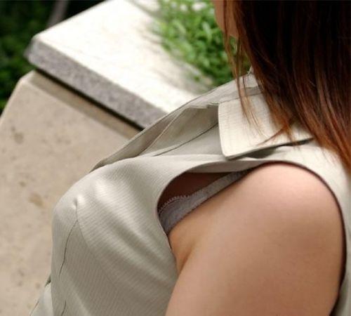 素人女性の横乳がしっかり見えてる盗撮エロ画像 42枚 No.29