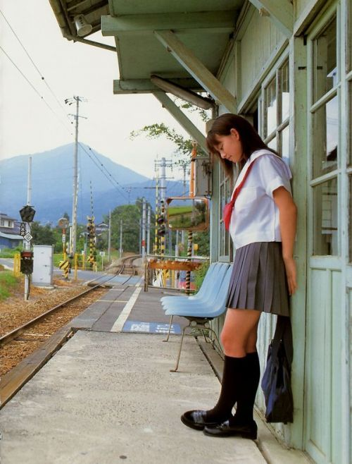 【画像】笑顏もスタイルもモデル級に可愛いJKをまとめ 38枚  No.16