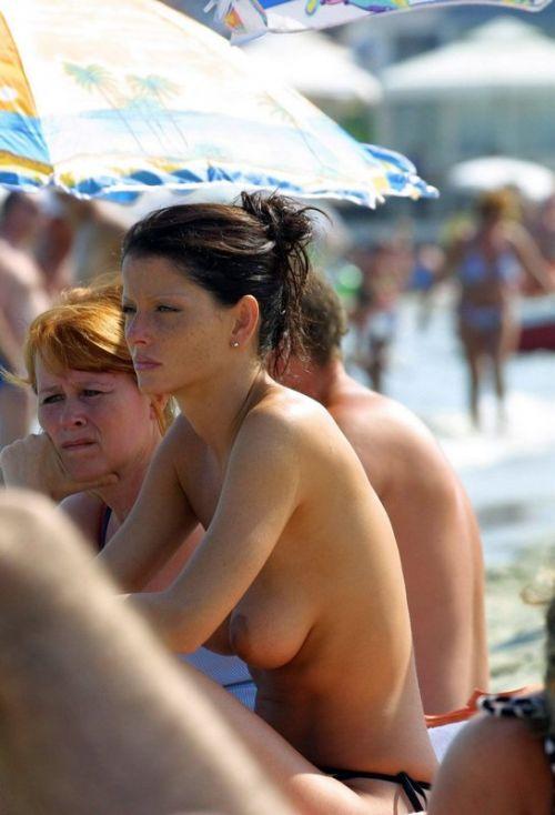 【盗撮画像】全裸外国人のヌーディストビーチがエロ過ぎ! 39枚 No.5