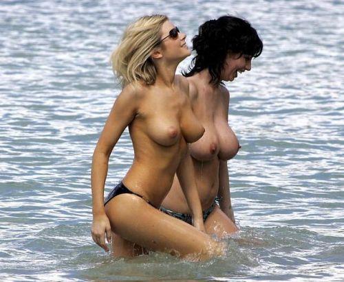 【盗撮画像】全裸外国人のヌーディストビーチがエロ過ぎ! 39枚 No.27