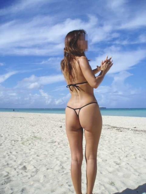 ビーチで女の子のTバック姿のお尻だけを厳選した盗撮画像まとめ 35枚 No.33