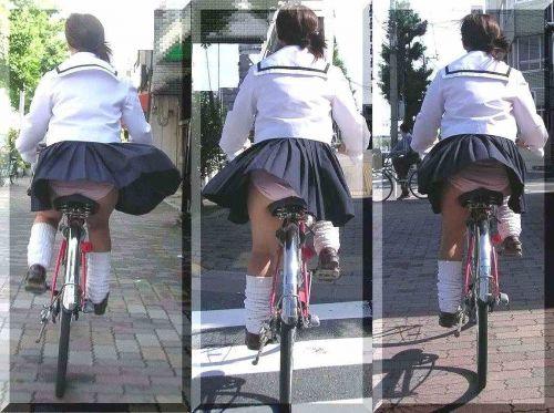 【盗撮】ミニスカからパンチラしちゃうJKの自転車通学エロ画像 43枚 No.7