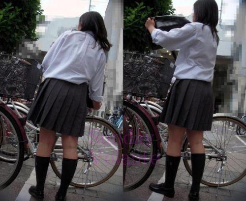 【盗撮】ミニスカからパンチラしちゃうJKの自転車通学エロ画像 43枚 No.16