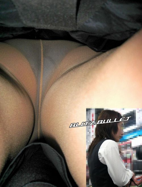 逆さ撮りでOLのパンツを接写したエロ画像 41枚 No.39