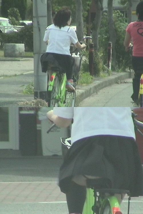 純白パンティも見えちゃうJKの自転車通学画像 41枚 No.35