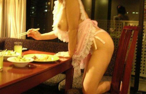 裸エプロンでキッチンにいたら愛感じちゃうエロ画像 37枚 No.8