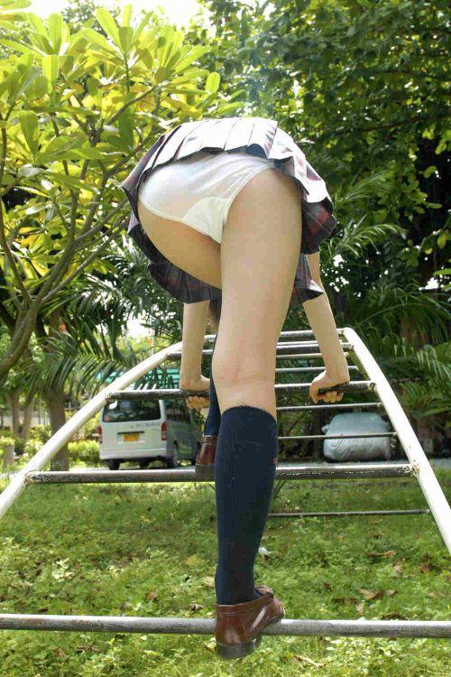 女子高生のムッチリ太ももとバッチリお尻のエロ画像 39枚 No.26