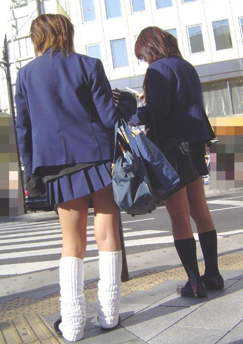 【盗撮画像】JKのムチムチな太ももがエロ過ぎて抜ける! 38枚 No.23