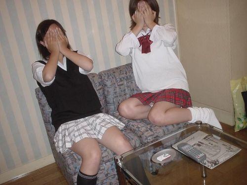 【盗撮画像】JKのムチムチな太ももがエロ過ぎて抜ける! 38枚 No.29