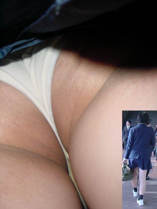 【逆さ撮り盗撮画像】 JKのミニスカの中身がエロ過ぎて勃起確定! 37枚 No.34