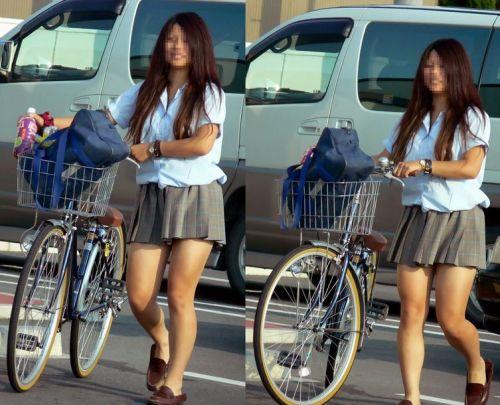 【盗撮画像】ミニスカJKが自転車通学すると当然パンチラしまくるよな 41枚 No.13